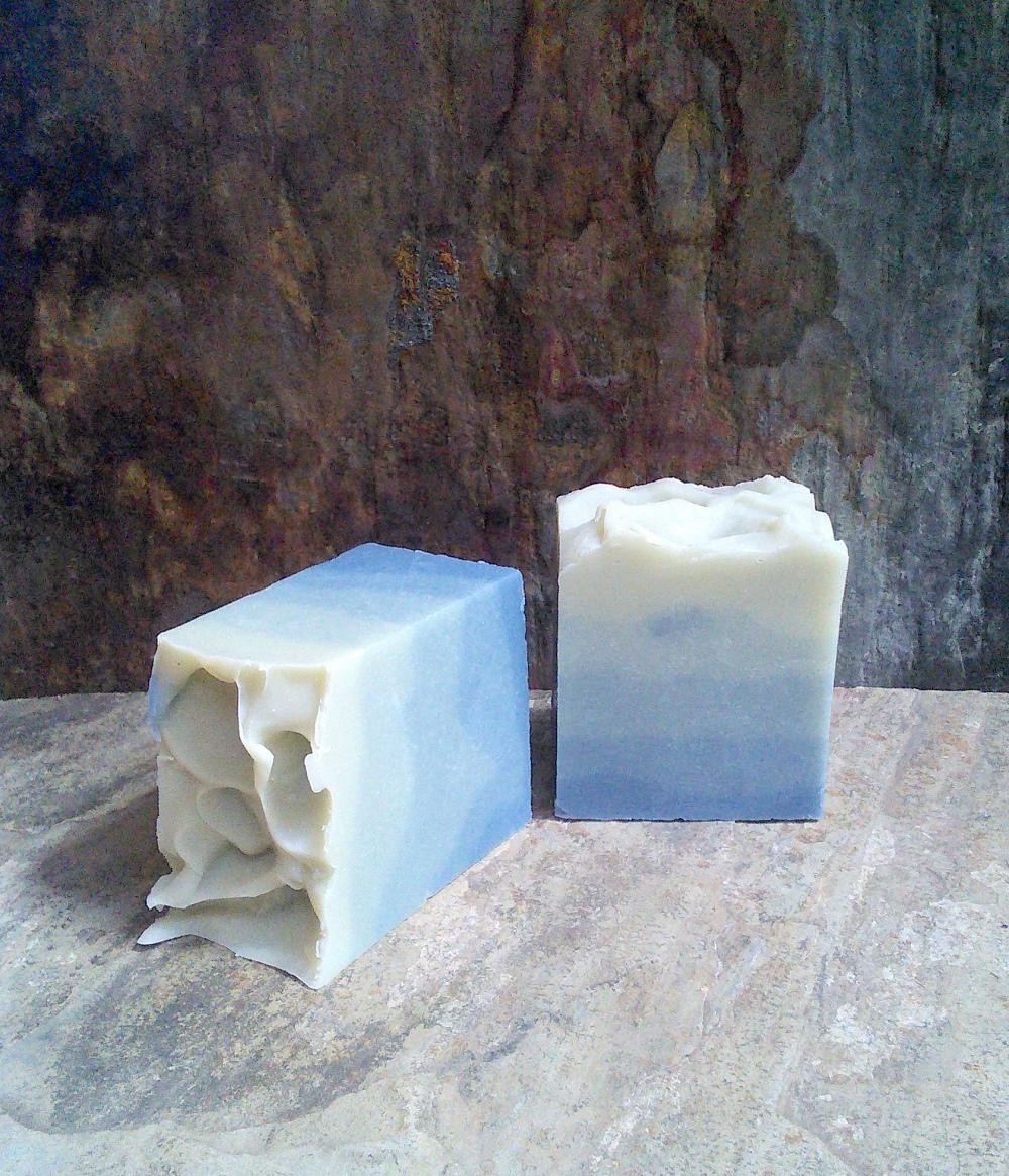 PEPPERMINT & EUCALYPTUS SOAP TIGHT CROP