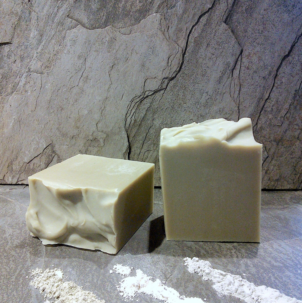 ESSENTIAL DETOX FACIAL BAR W CLAY CROPPED